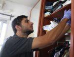 הדברה נגד עש בארונות הבגדים